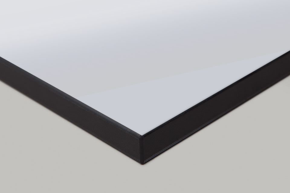 Edge Print - Black Moulding